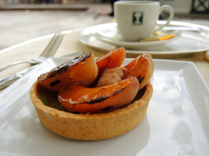 Tarte pistache abricots - Les Deux Magots