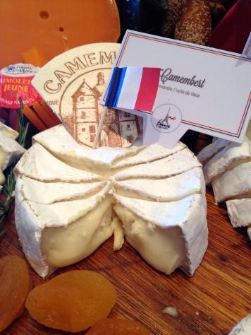 Camembert, incontornavel das refeições à francesa